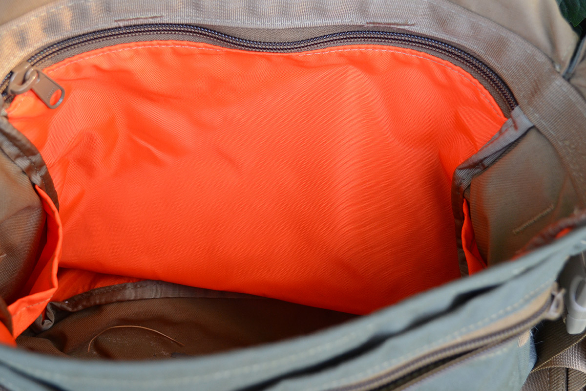 The interior is lined with high-viz blaze orange, making it easy to find whatever you're seeking inside.