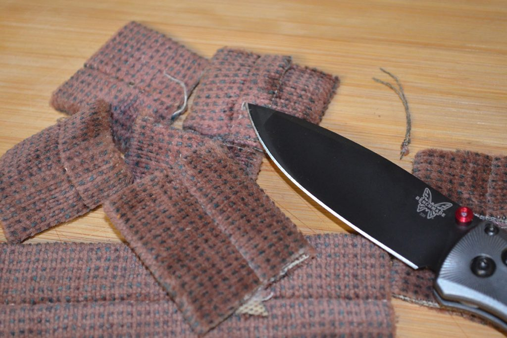 This fabric belt posed no trouble at all for the knife.